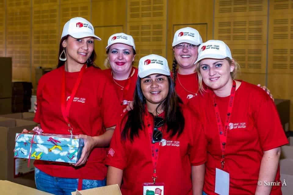 Stor-Age Santa Shoebox volunteers