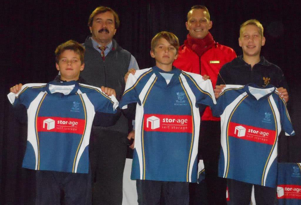Stor-Age sponsors Beaumont Primary School rugby jerseys
