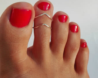 Used toe ring - worst gift ever